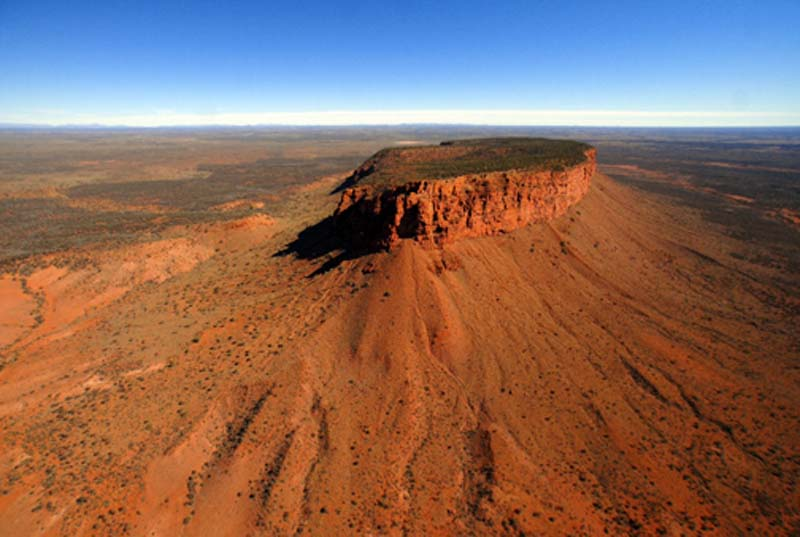 a guide to the geology and landforms of central australia